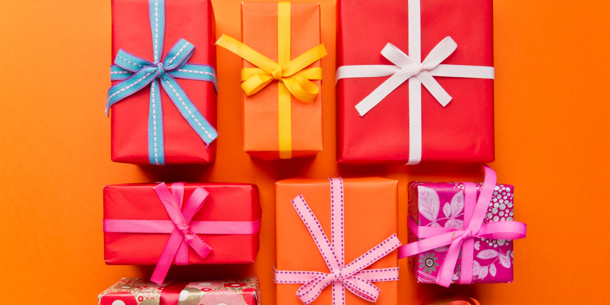 Home Organization Tip: Give Clutter-Free Holiday Gifts