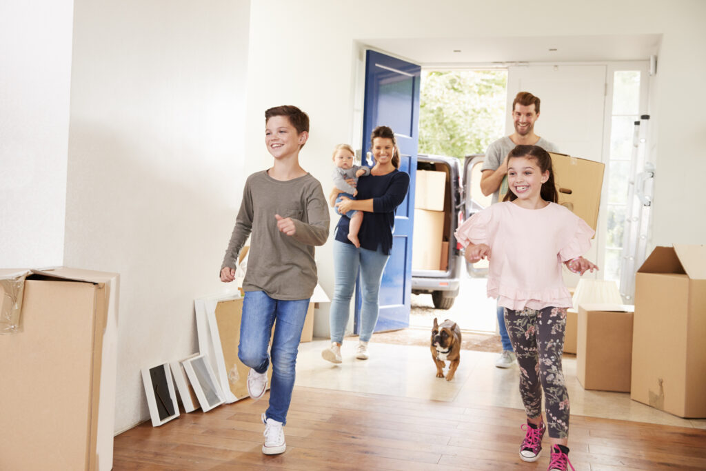 Settling Into A New Home – 9 Tips From A Move Manager On Prioritizing Tasks